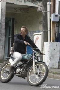 Daniel Craig, trying on an icon